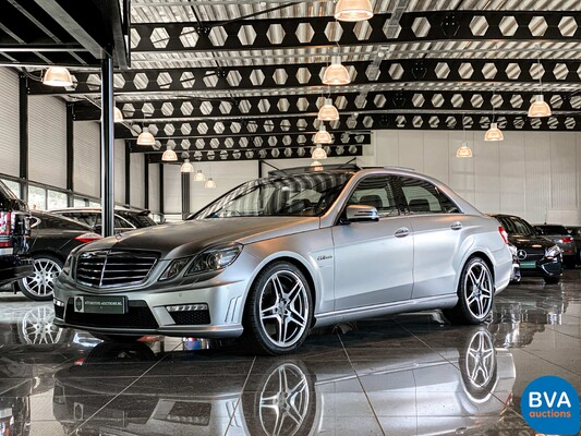 Luxury, Sports and Classic Cars te Dieren